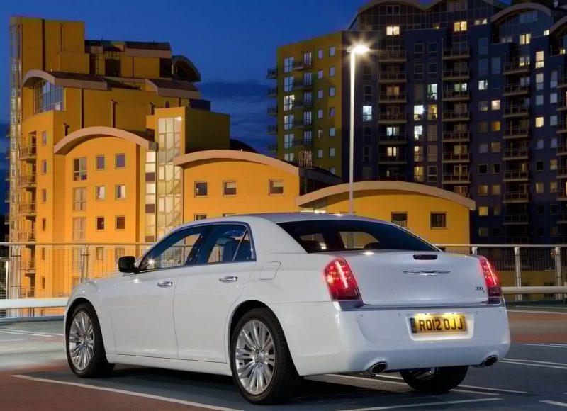 Chrysler 300C фотография