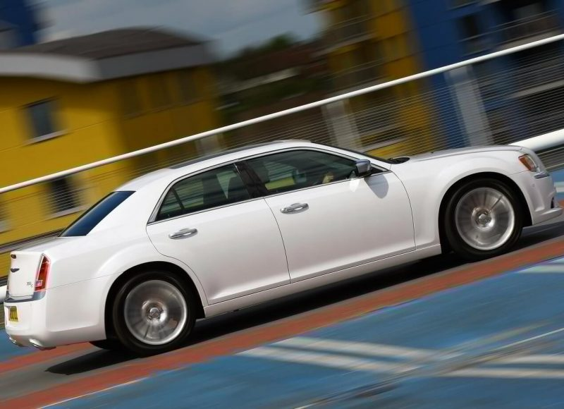 Chrysler 300C фото авто