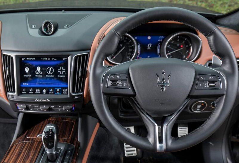 Maserati Levante руль