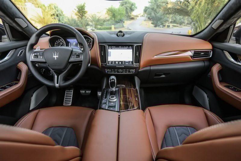 Maserati Levante салон