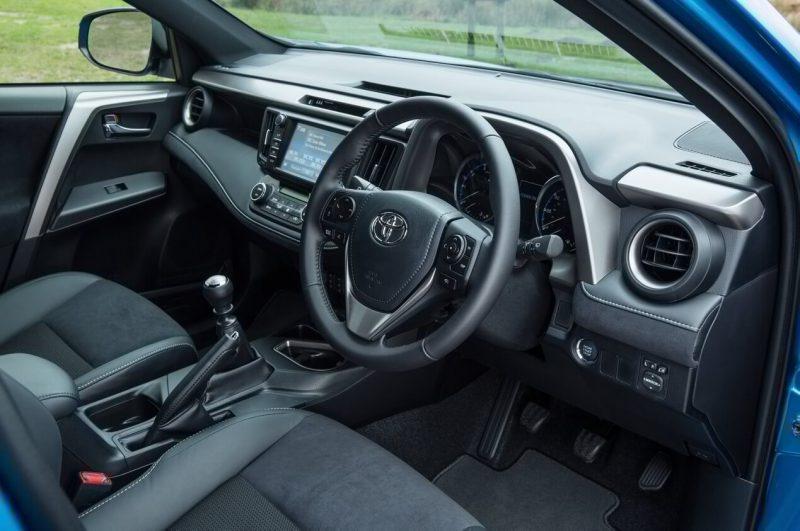 Рулевое колесо Toyota RAV4