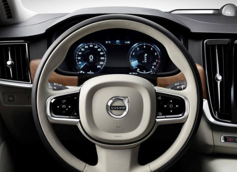 Панель приборов Volvo S90