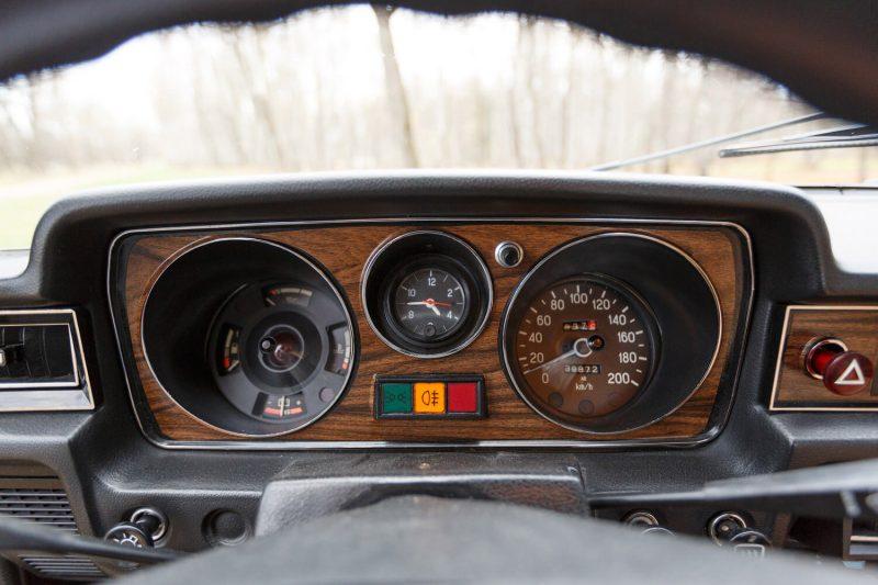 ГАЗ-24-10 панель приборов