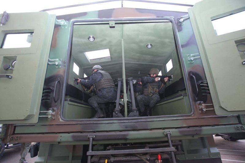 КрАЗ-6322 Raptor с десантом