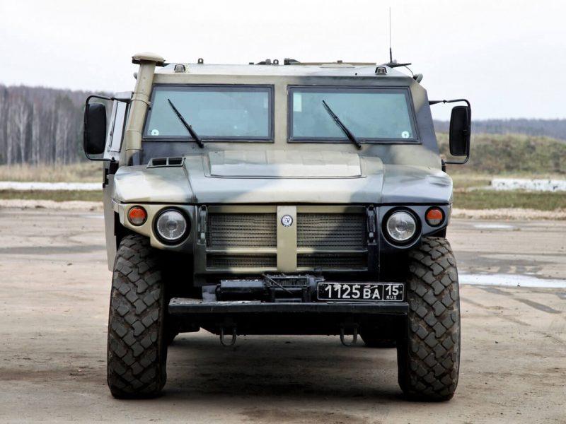 Вид спередпи ГАЗ-2330 «Тигр»