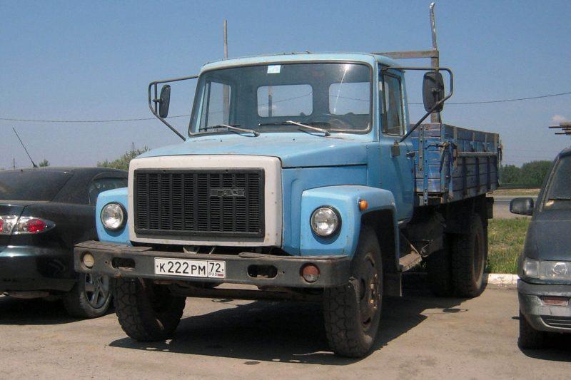 ГАЗ-3307 вид спереди