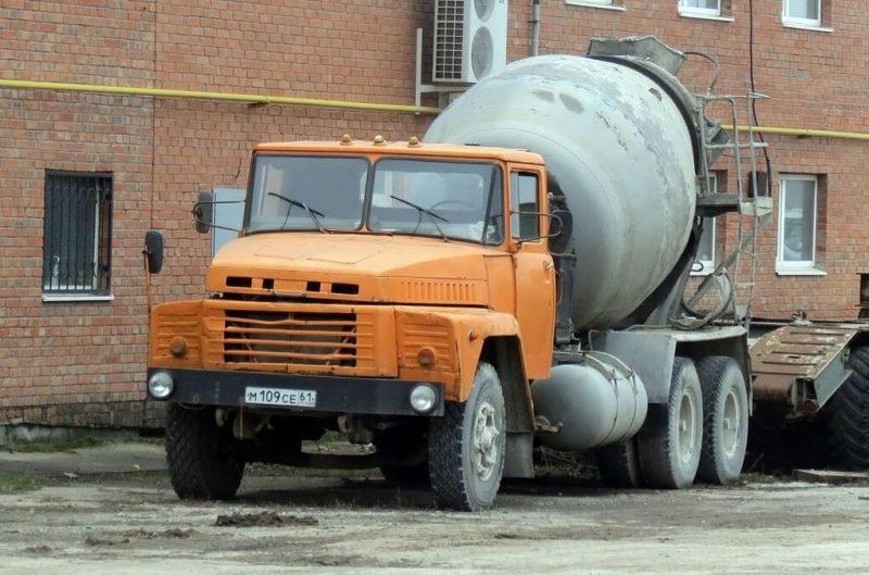 КрАЗ-250 бетоносмеситель
