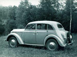 Автомобиль Moskvich-400