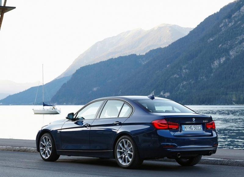 Фото рестайлинговой BMW 3