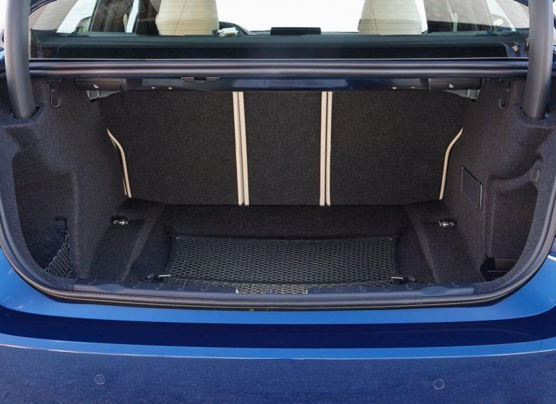 BMW 3 фото багажник