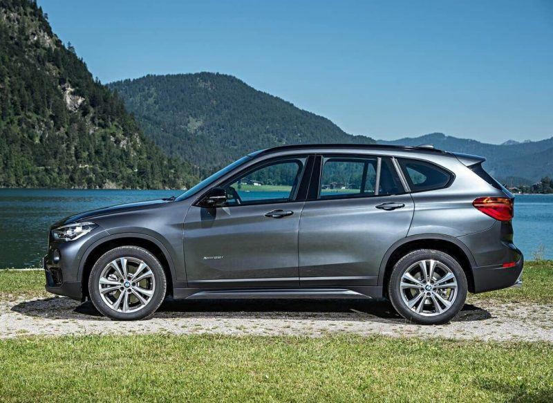 Вид сбоку BMW X1