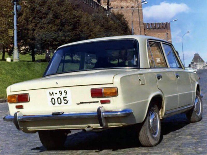 Вид сзади ВАЗ-2101