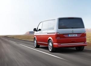 Volkswagen Caravelle вид сзади