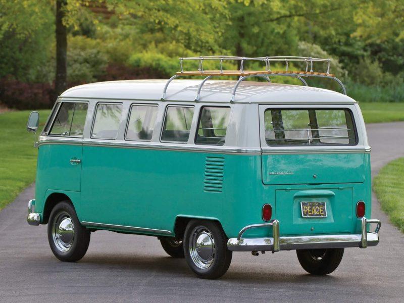 Фото Volkswagen Typ 2 Deluxe Bus