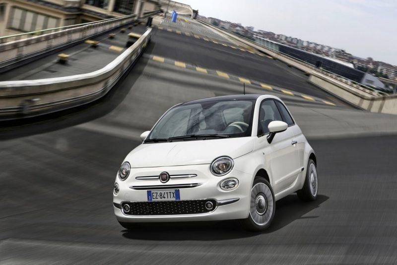 Fiat 500 вид спереди