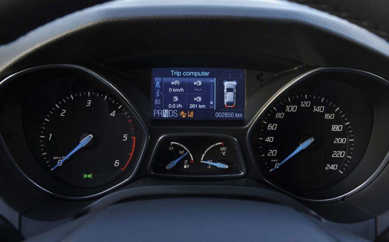 Панель приборов Ford Focus 3