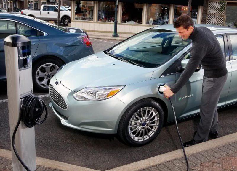 Авто Ford Focus Electric