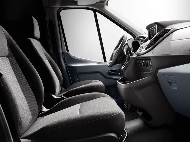 Передние кресла Ford Transit