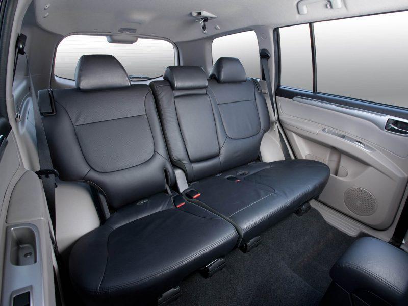 Задний ряд Mitsubishi Pajero Sport
