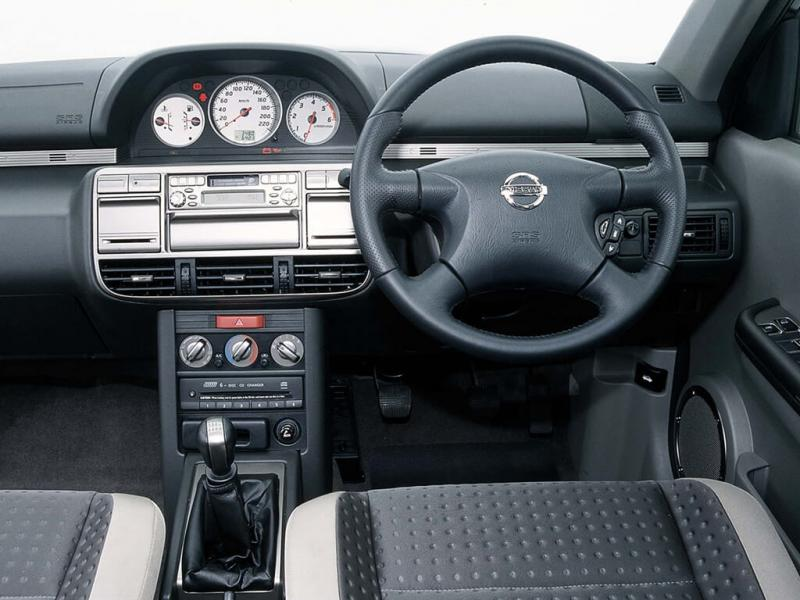 Интерьер Nissan X-Trail (T30)