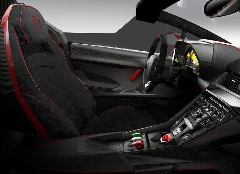Lamborghini Veneno салон