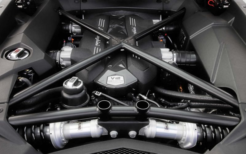 Lamborghini Veneno двигатель