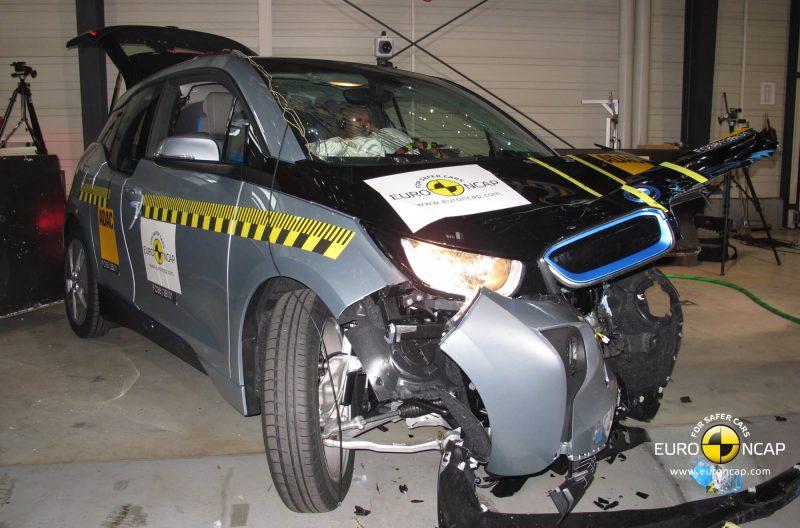 BMW i3 crash test
