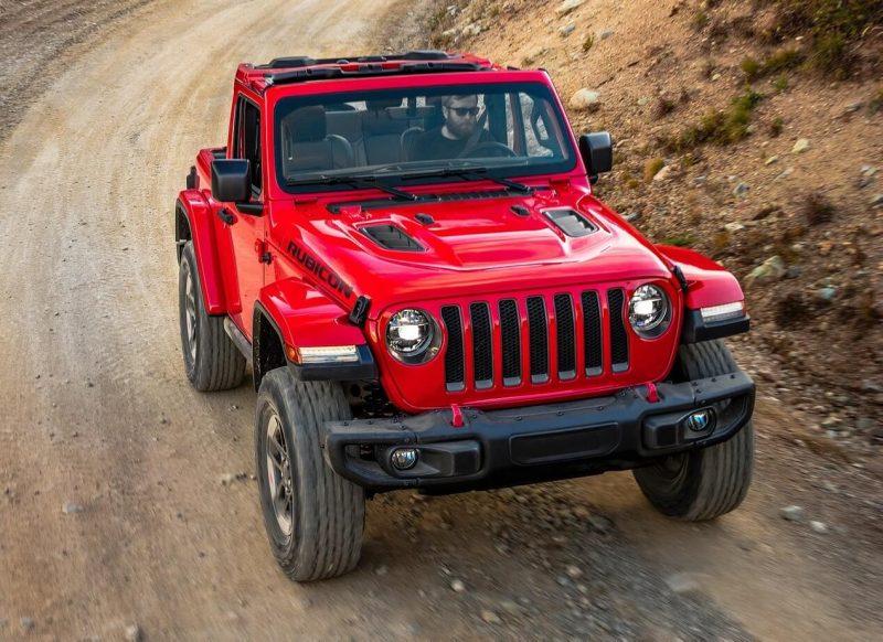 Jeep Wrangler IV вид спереди