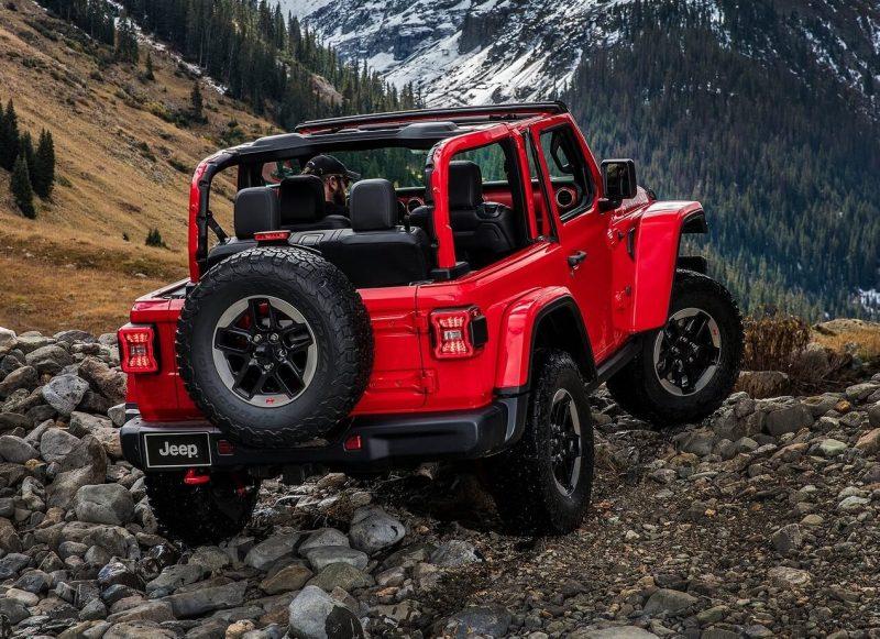 Jeep Wrangler IV вид сзади