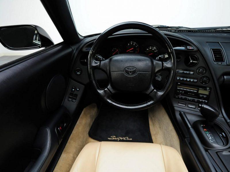 Toyota Supra Targa салон