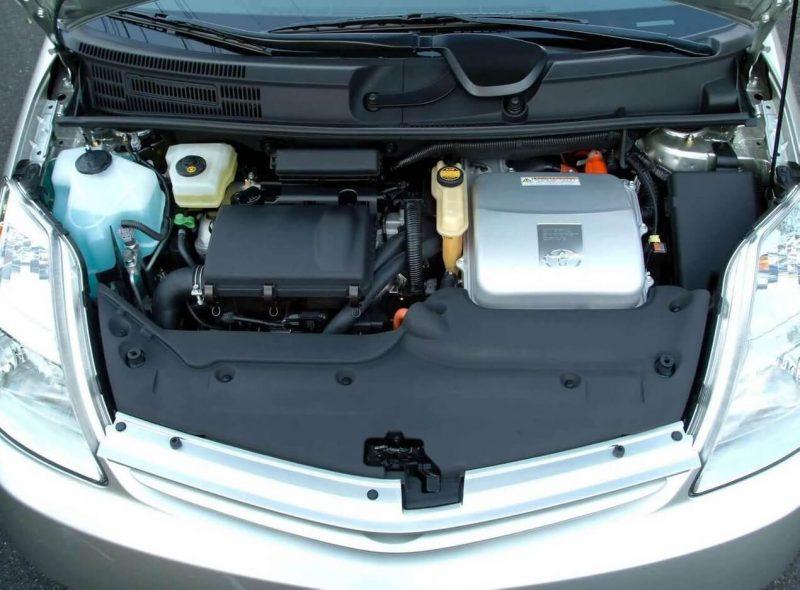 Prius II двигатель