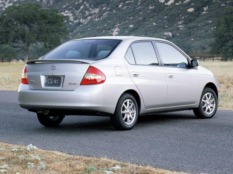 Авто Toyota Prius первого поколения