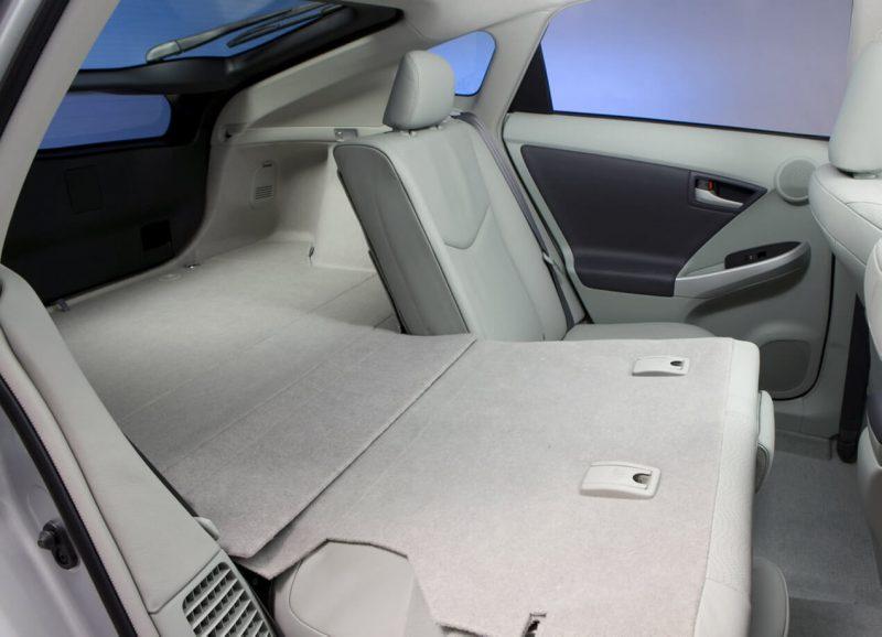 Багажник Toyota Prius III