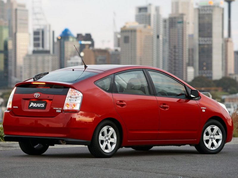 Фото авто Toyota Prius 2003