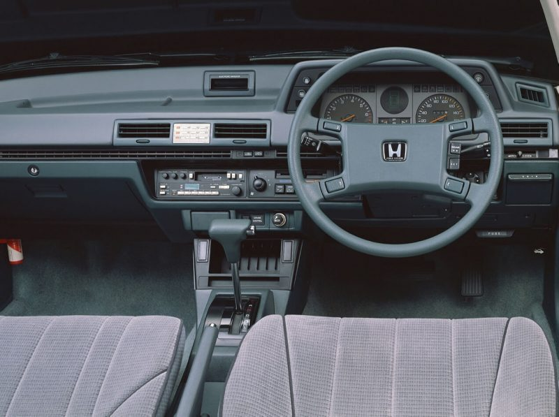 Салон Honda Accord II