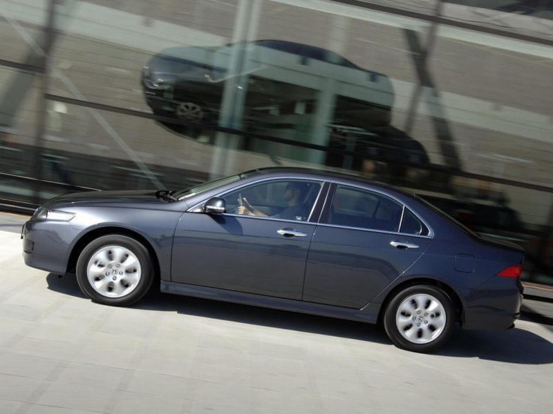 Обновленный Honda Accord VII