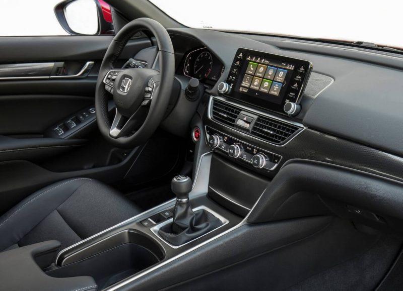 Фото салона Honda Accord X