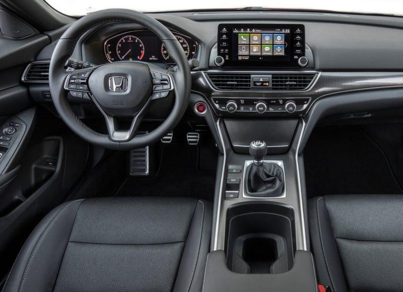 Салон Honda Accord X