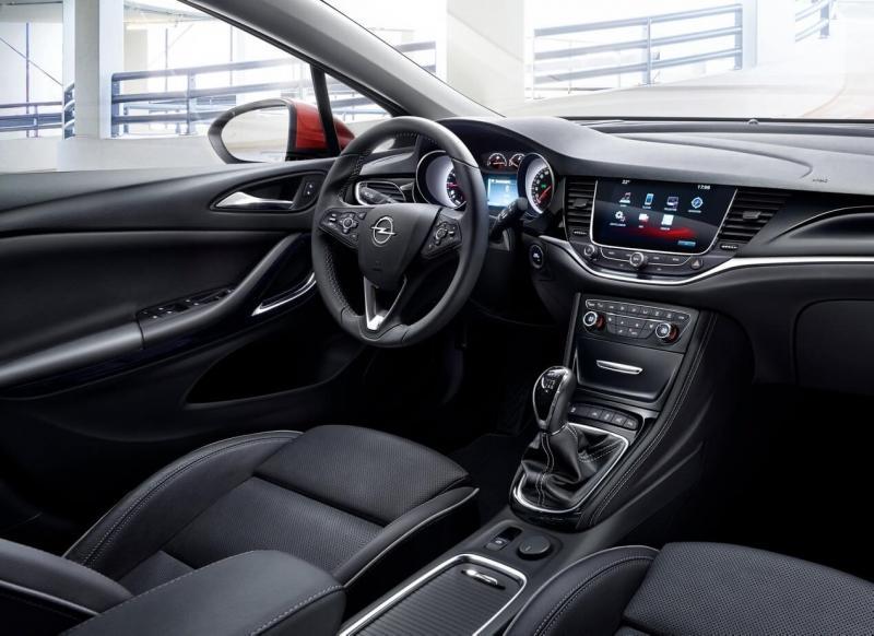 Opel Astra К интерьер