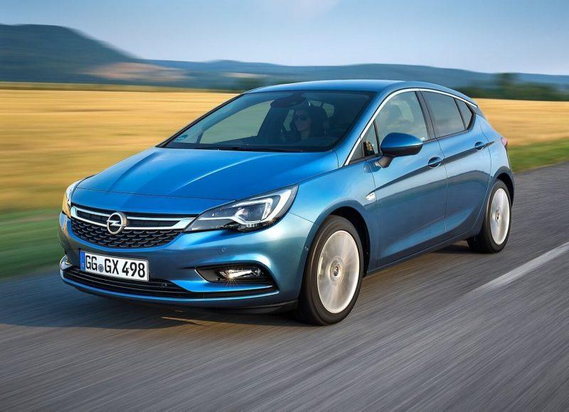 Фото нового Opel Astra