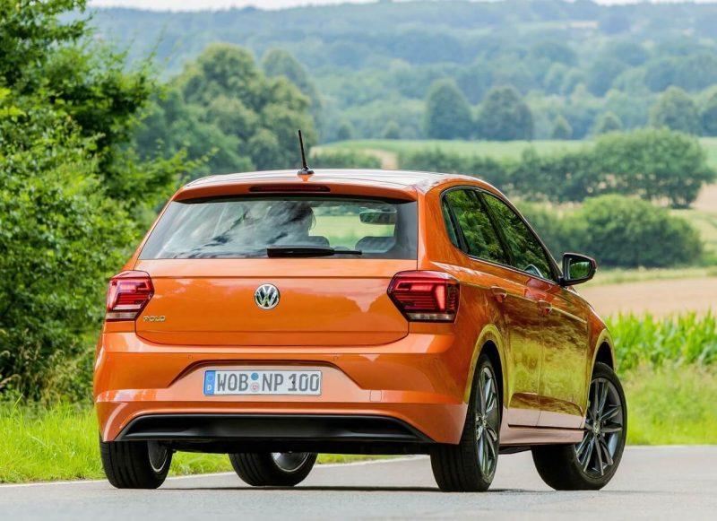 Вид сзади Volkswagen Polo VI