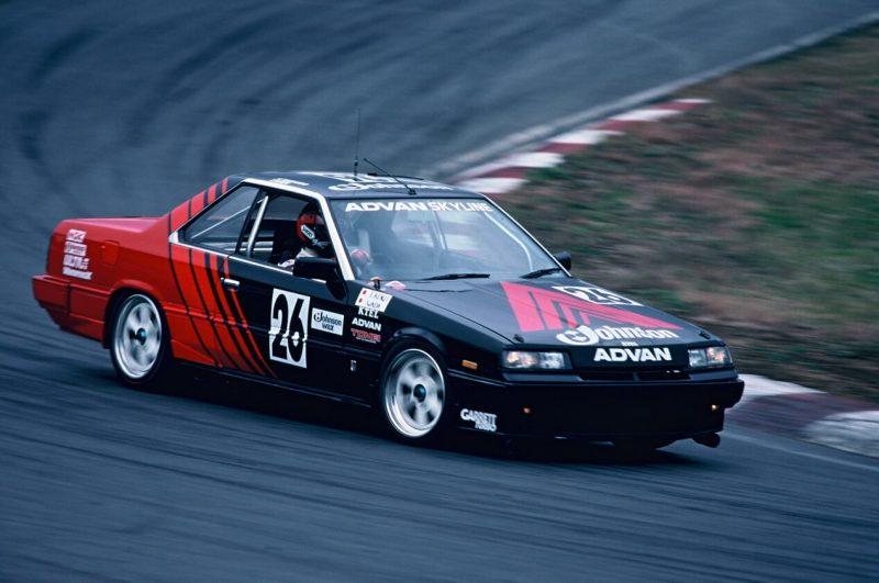 Фото Nissan Skyline GTS-R Race Car