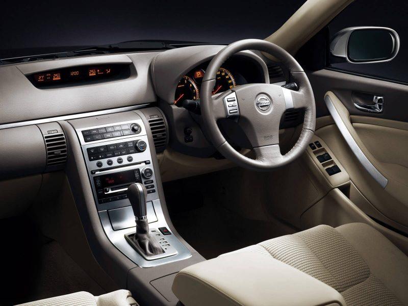 Салон Nissan Skyline (V35)