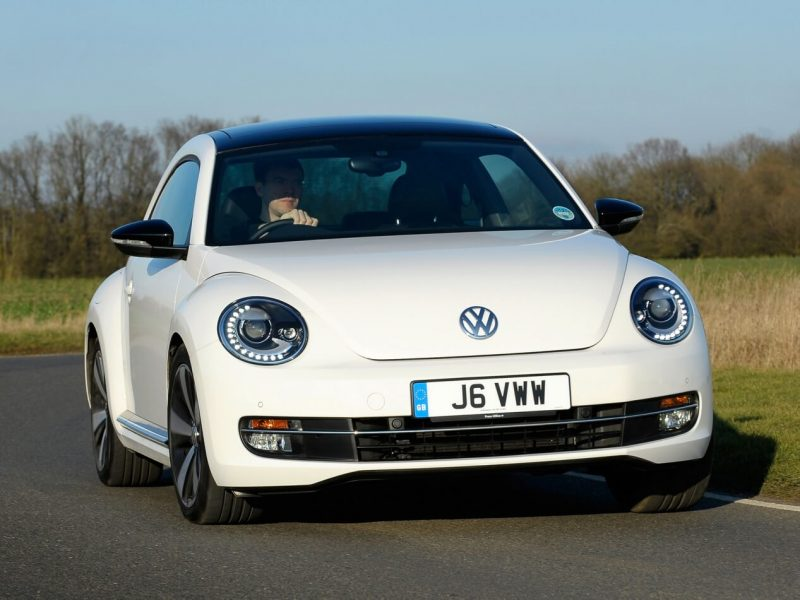 Volkswagen Beetle 3 вид спереди