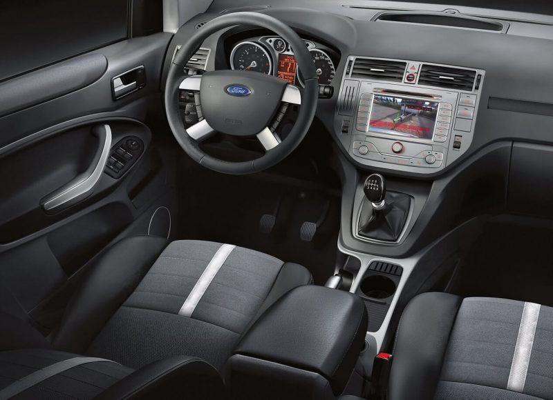Салон Ford Kuga I поколение