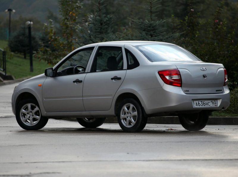 Lada Granta фото авто