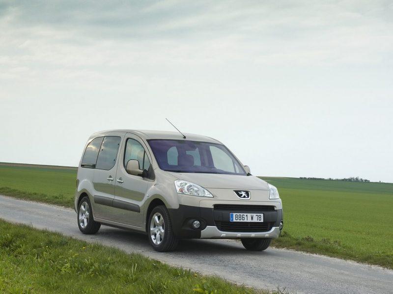 Фотография Peugeot Partner II поколения