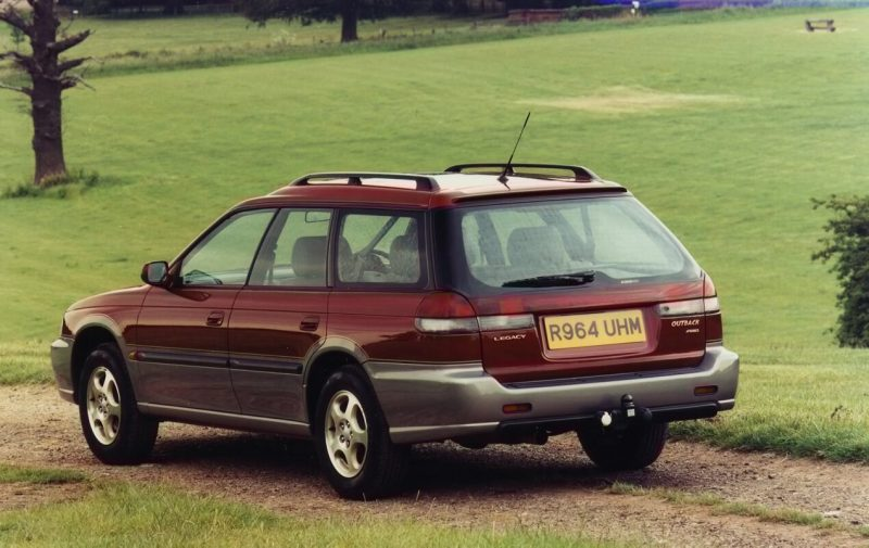 Вид сзади Subaru Legacy Outback